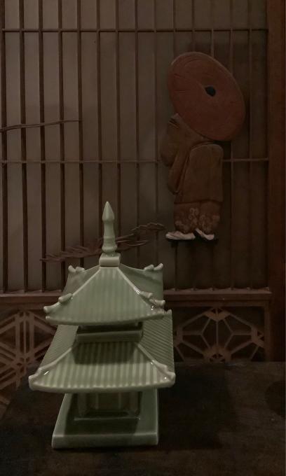 マンションの玄関廊下の室礼_a0269183_22052545.jpg