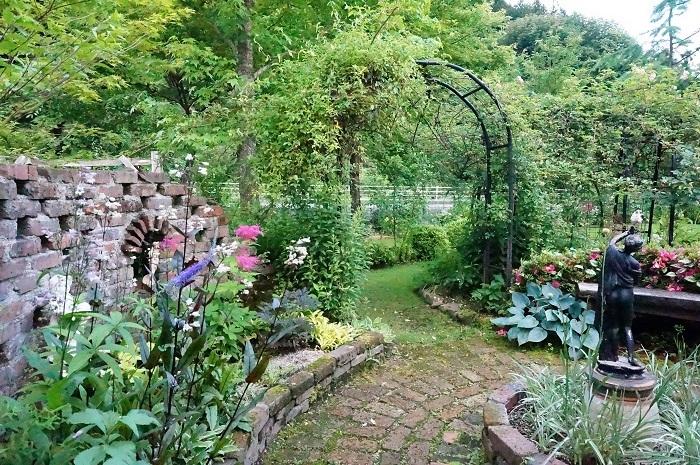 庭の景色あれこれ_e0365880_22062680.jpg