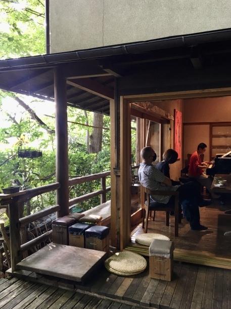 ミャンマーの写真から生まれた音楽_a0086851_03375877.jpg