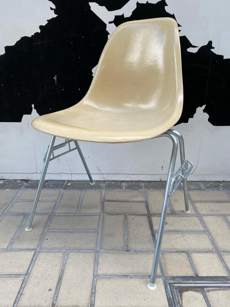 6月26日(土)マグネッツ大阪店ヴィンテージ家具入荷日!! #1 HermanMiller Eames編!! ArmShellChair,SideShellChair!!_c0078587_17121763.jpg