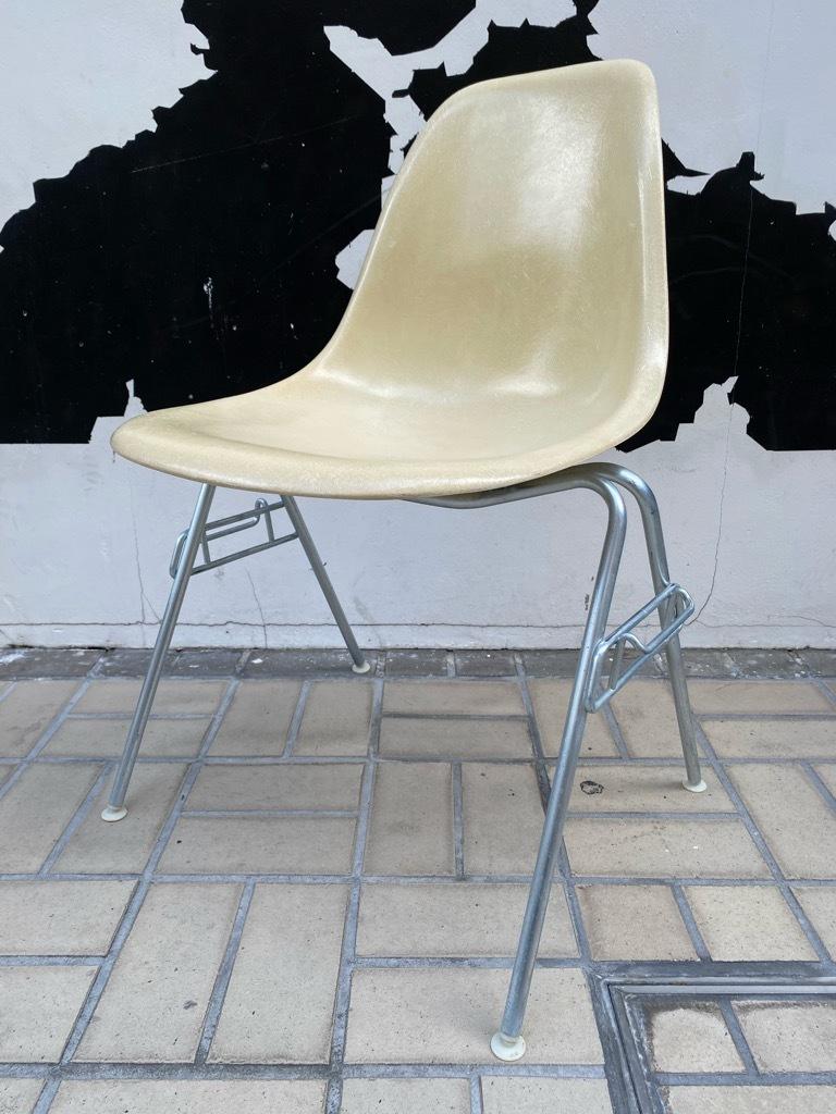 6月26日(土)マグネッツ大阪店ヴィンテージ家具入荷日!! #1 HermanMiller Eames編!! ArmShellChair,SideShellChair!!_c0078587_17125157.jpg