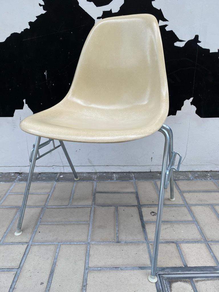 6月26日(土)マグネッツ大阪店ヴィンテージ家具入荷日!! #1 HermanMiller Eames編!! ArmShellChair,SideShellChair!!_c0078587_17134814.jpg
