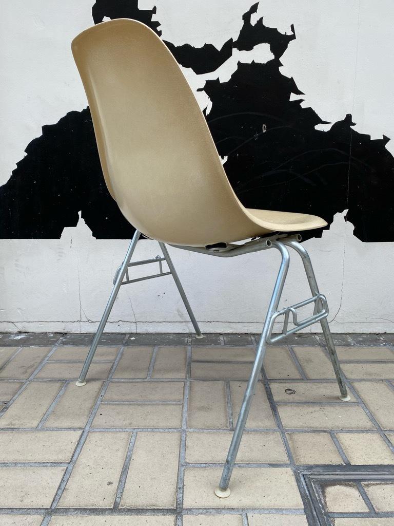6月26日(土)マグネッツ大阪店ヴィンテージ家具入荷日!! #1 HermanMiller Eames編!! ArmShellChair,SideShellChair!!_c0078587_17135123.jpg