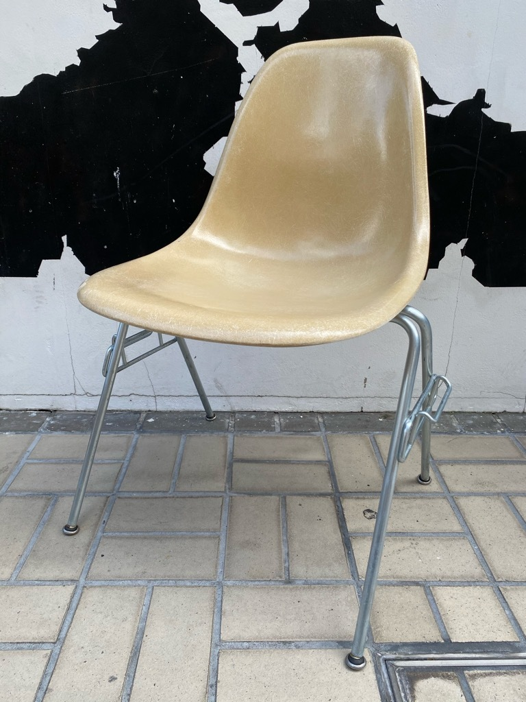 6月26日(土)マグネッツ大阪店ヴィンテージ家具入荷日!! #1 HermanMiller Eames編!! ArmShellChair,SideShellChair!!_c0078587_17173126.jpg