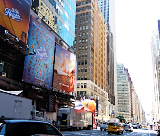 タイムズ・スクエアで見かけた映画版『イン・ザ・ハイツ』の巨大看板_b0007805_23172676.jpg