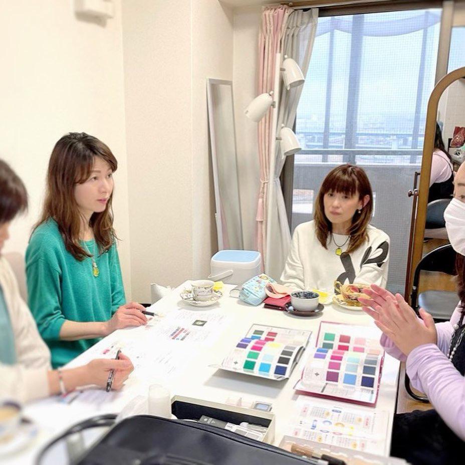 カラースクールでパーソナルカラー診断実践_d0116430_22482641.jpg