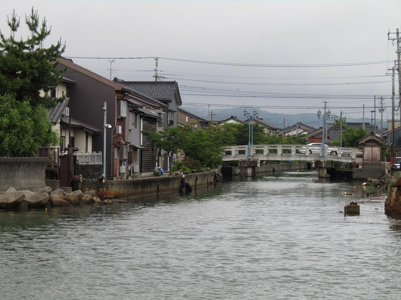 潮風の町・新湊で、ねこ歩き(後編)_f0281398_21052659.jpg