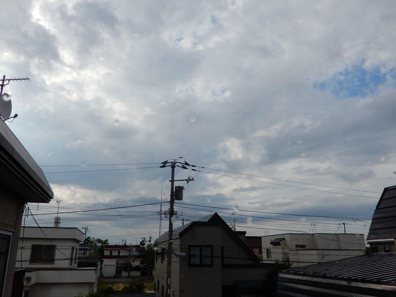 午前中には通り雨_c0025115_21325572.jpg