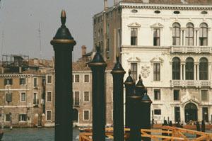 ヴェネチアー路地と水路が織りなす街_a0166284_12072846.jpg