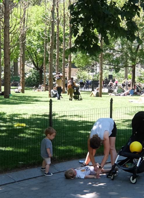 ニューヨークの公園の遊び方_b0007805_21281442.jpg