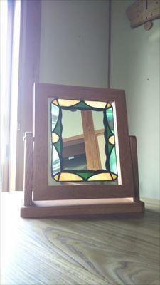 角度が変えれる鏡用の台_d0165772_21010043.jpg