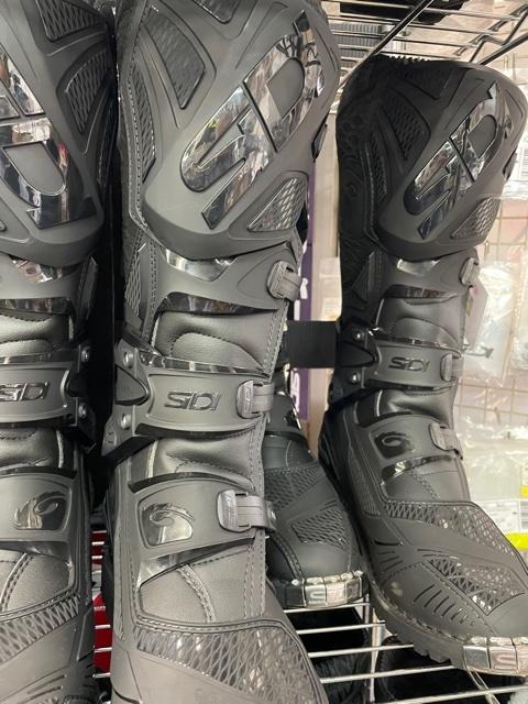 SiDI ブーツ 充実してます!_f0062361_09561096.jpg