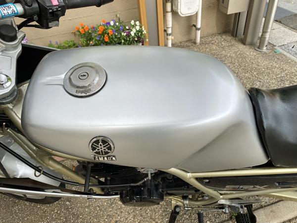 SRX250F 2 タンク塗装 シート張り替え_a0339187_22155177.jpg