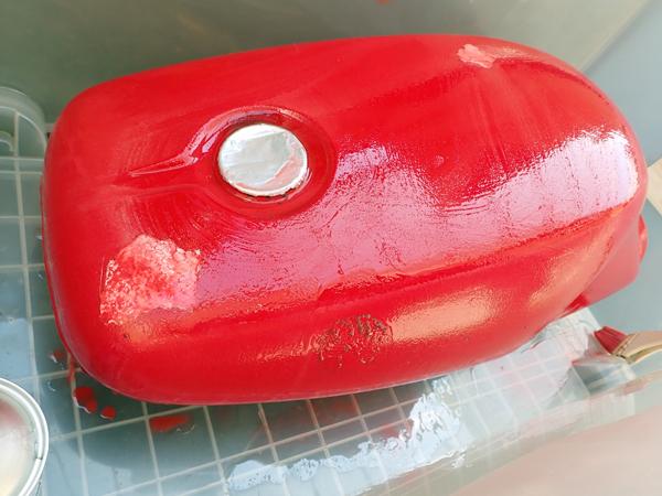 SRX250F 2 タンク塗装 シート張り替え_a0339187_22162085.jpg