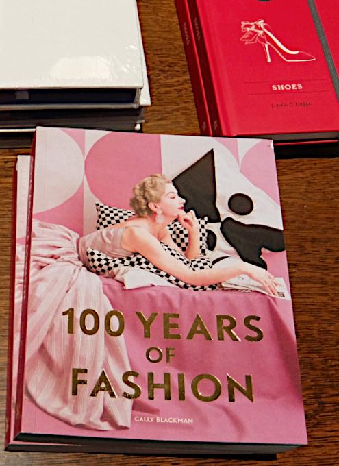 ファッションや美容業界関係者にもオススメ、ドラマ・ブック・ショップ_b0007805_19330742.jpg