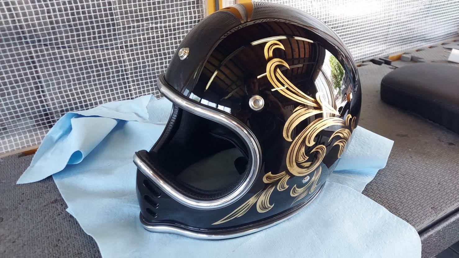 Helmet CustomPaint_e0269313_18494986.jpg