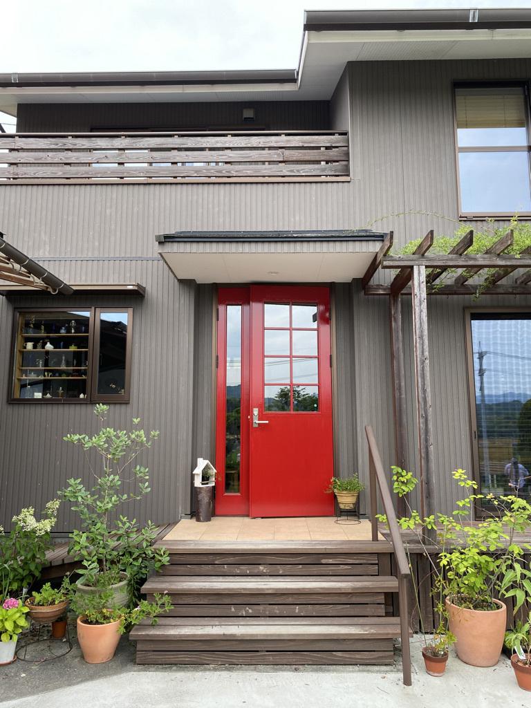 玄関ドアの塗り替えとテーブルの補修_c0334574_18515316.jpeg