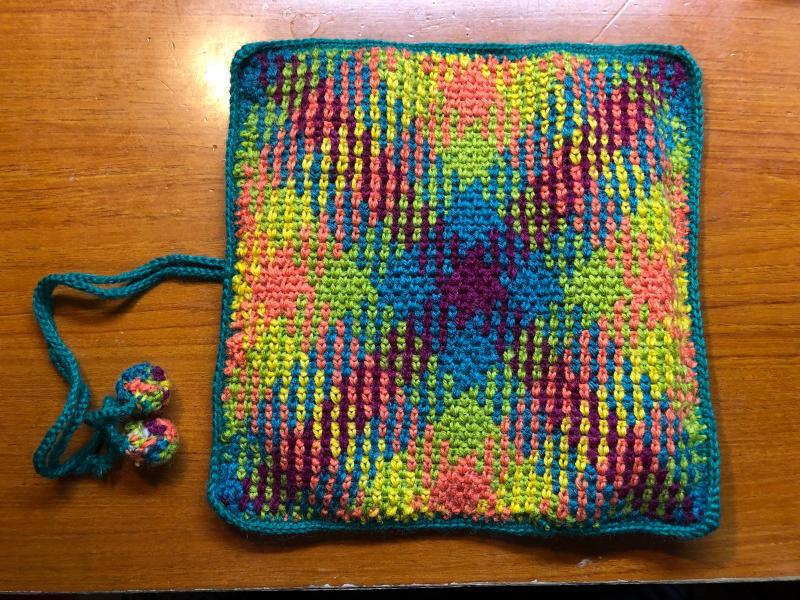ハマナカ コロポックルのプランドプーリングで編み針入れ_d0138054_18082020.jpg