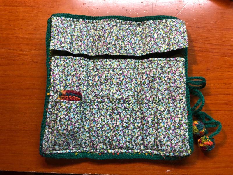 ハマナカ コロポックルのプランドプーリングで編み針入れ_d0138054_18082153.jpg