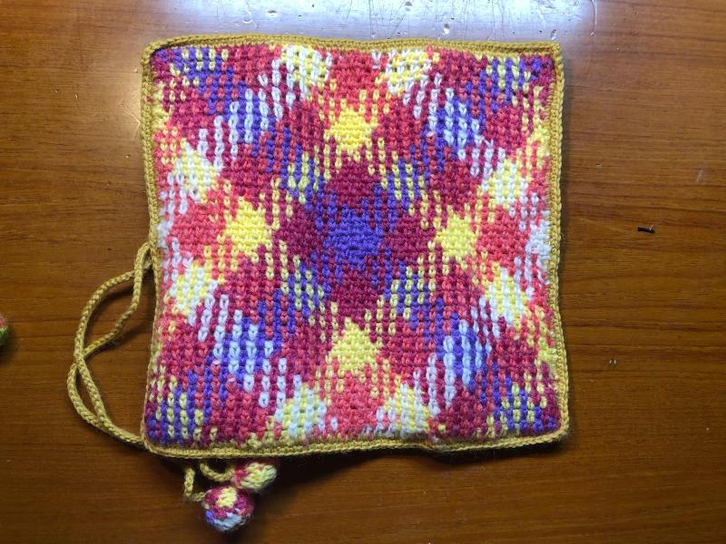 ハマナカ コロポックルのプランドプーリングで編み針入れ_d0138054_18082386.jpg