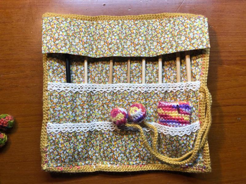 ハマナカ コロポックルのプランドプーリングで編み針入れ_d0138054_18082412.jpg
