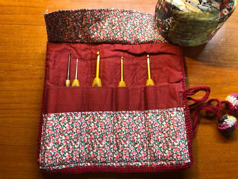 ハマナカ コロポックルのプランドプーリングで編み針入れ_d0138054_18084708.jpg