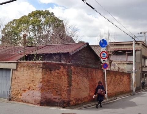 煉瓦塀は残った… <昭和恋々-4->_e0390949_11233790.jpg