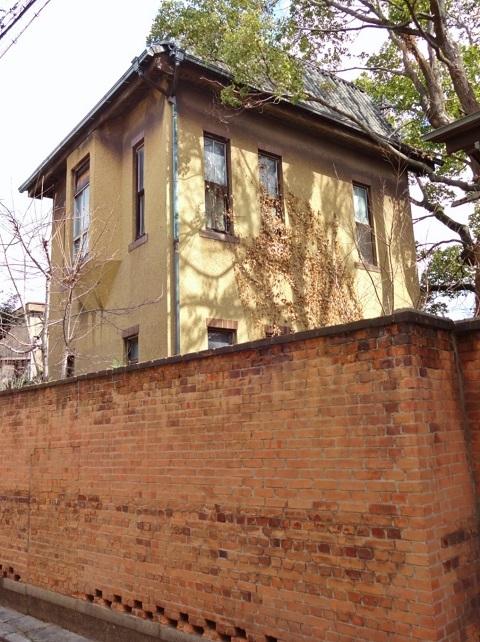 煉瓦塀は残った… <昭和恋々-4->_e0390949_11452287.jpg