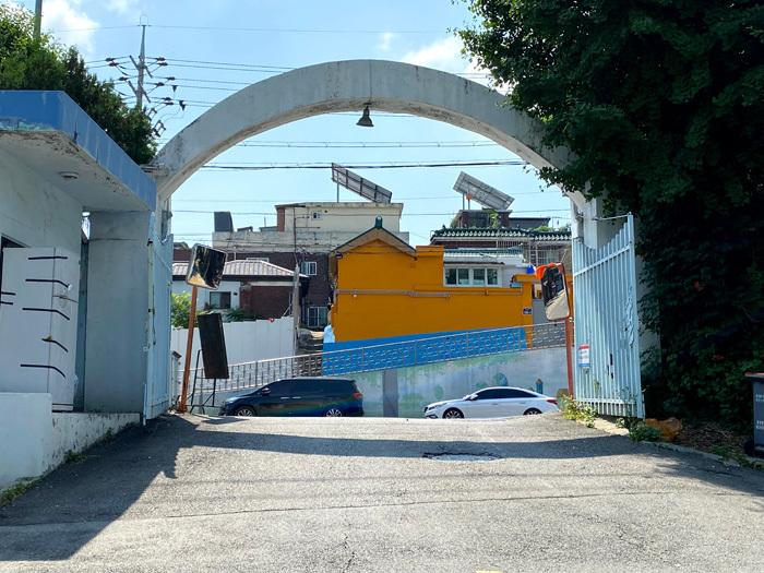 韓国で唯一、清凉里駅の扇形車庫_e0160774_20290396.jpg