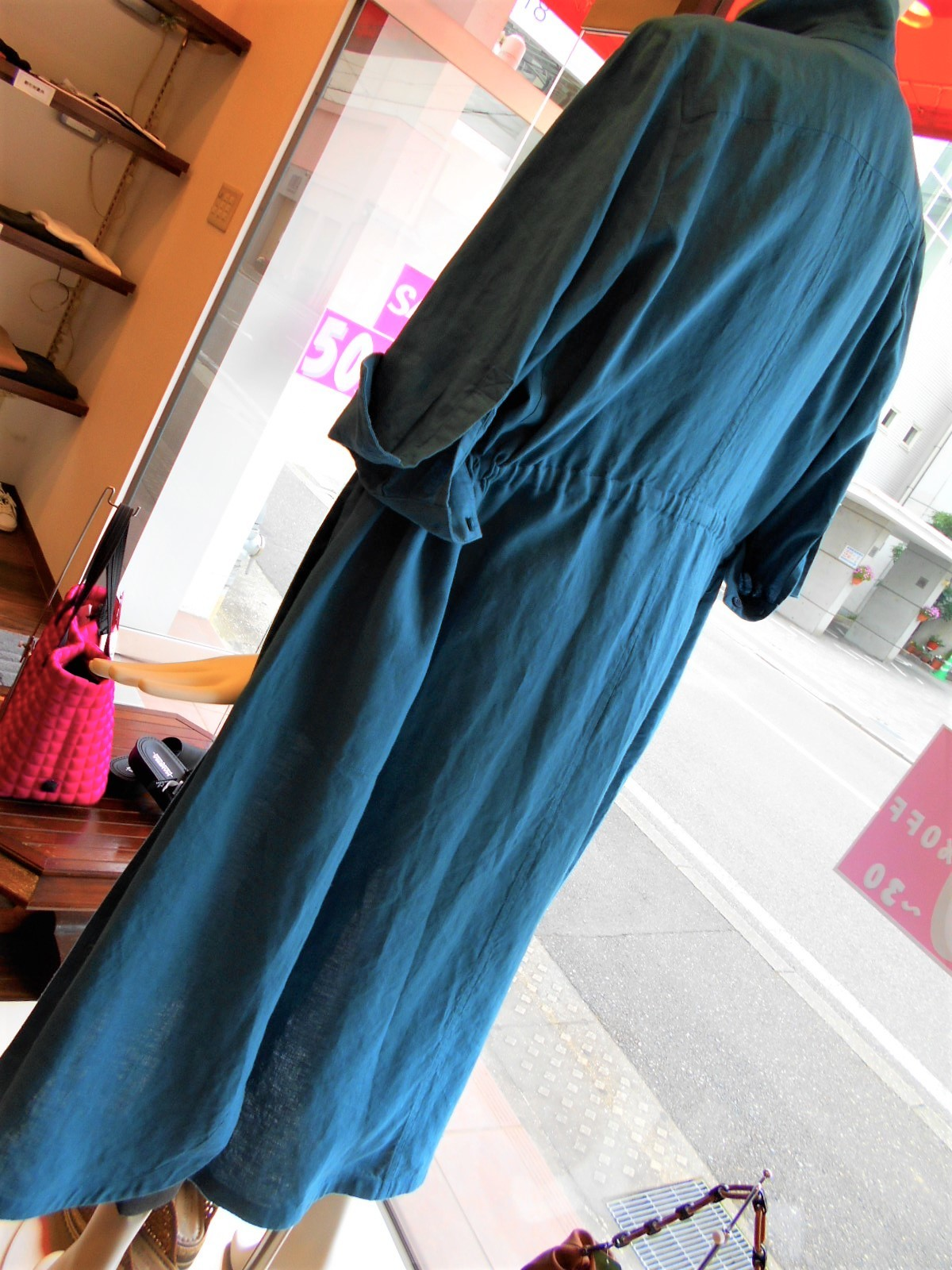 ターコイズブルーのシャツワンピ・・・・☆_c0113499_13035965.jpg