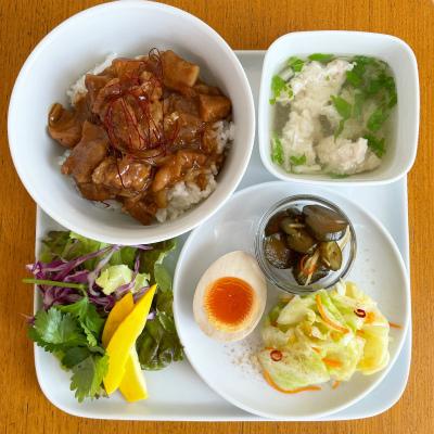 魯肉飯 ルーローハン(台湾風甘辛そぼろどんぶり)_b0102217_15503011.jpg