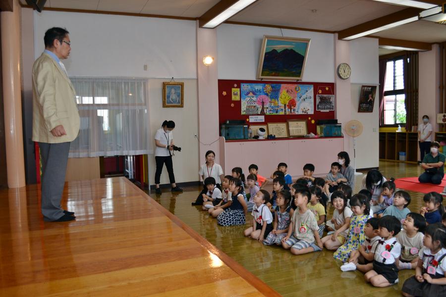 今日は第一幼稚園の「お誕生会」でした。_d0353789_14063975.jpg