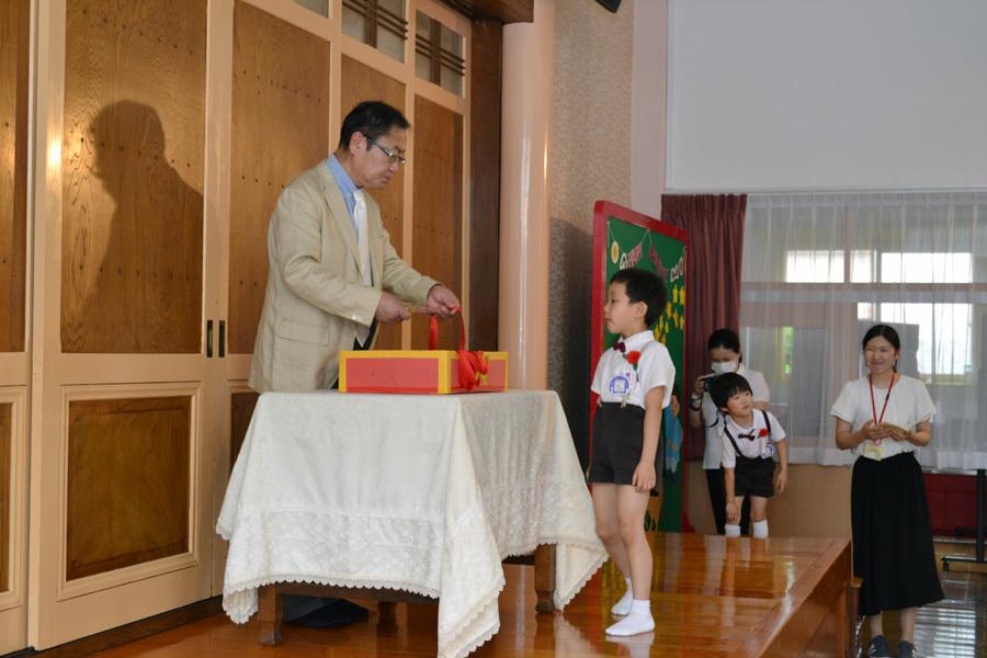 今日は第一幼稚園の「お誕生会」でした。_d0353789_14064639.jpg