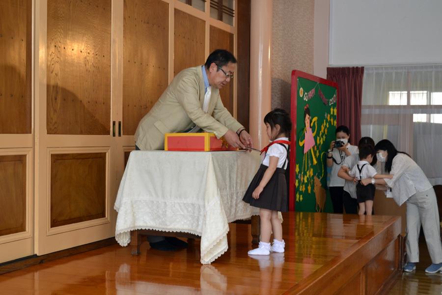 今日は第一幼稚園の「お誕生会」でした。_d0353789_14065175.jpg