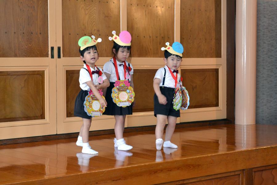 今日は第一幼稚園の「お誕生会」でした。_d0353789_14070264.jpg