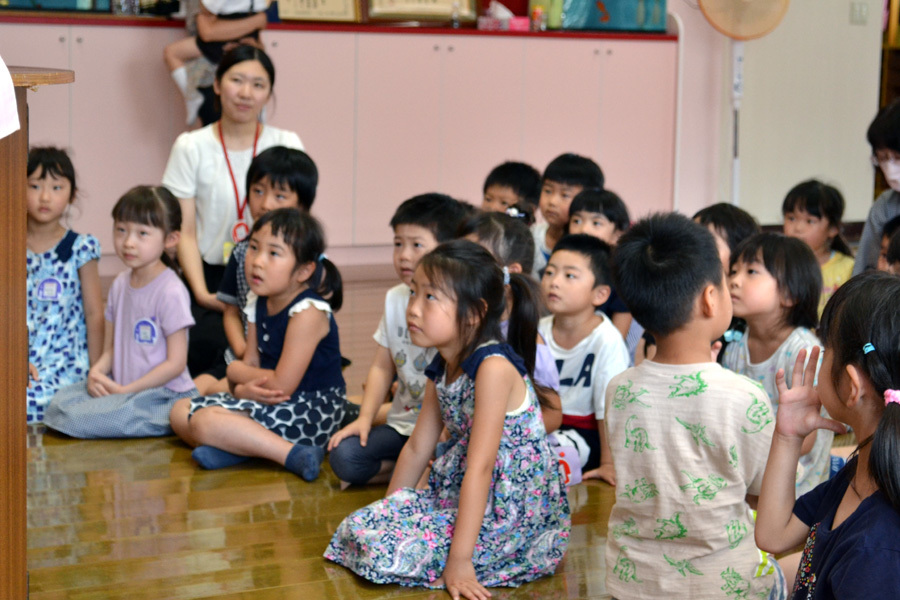 今日は第一幼稚園の「お誕生会」でした。_d0353789_14071900.jpg