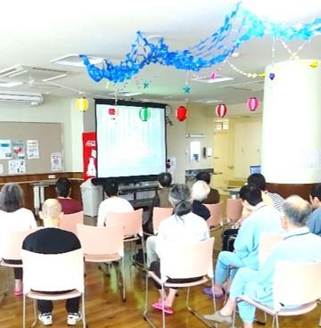 7月は恒例の七夕会を開催しました。_b0393105_11283060.jpg