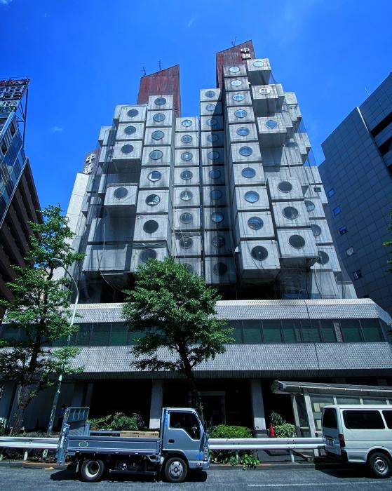 中銀カプセルタワービル / iPhone 11_c0334533_20121659.jpg