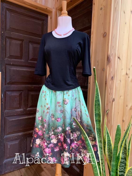 ピンタックのスカートパンツ 大人可愛くコットンシルクの三角スカート_d0187468_16194037.jpg