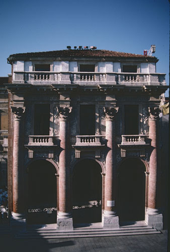 ヴィチェンツァのパラディオ建築_a0166284_12062917.jpg