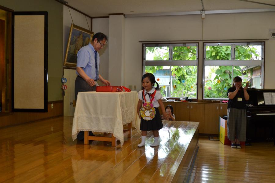今日は、上宮第二幼稚園の「お誕生会」でした。_d0353789_15473557.jpg