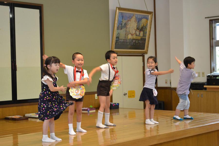 今日は、上宮第二幼稚園の「お誕生会」でした。_d0353789_15480615.jpg