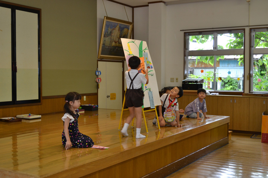 今日は、上宮第二幼稚園の「お誕生会」でした。_d0353789_15481613.jpg