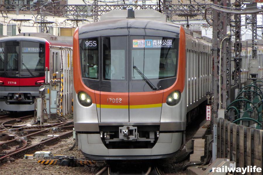 東京メトロ17000系に乗る_f0113552_23395996.jpg