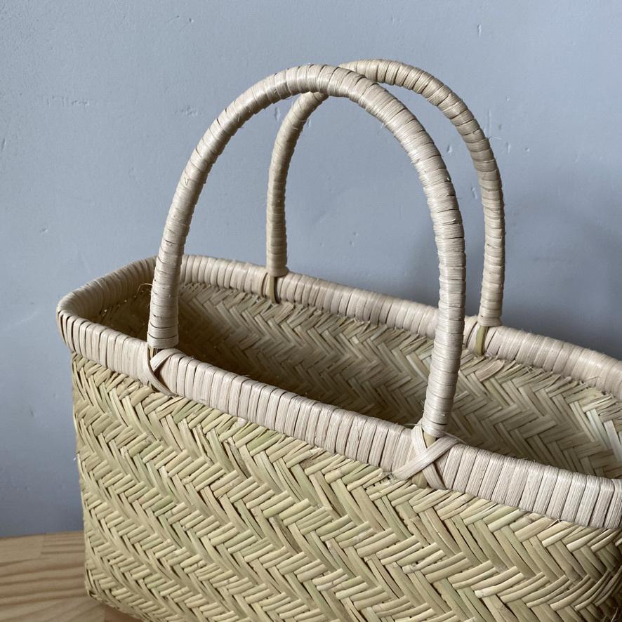 篠竹の買い物かごとラオスのかご_c0334574_19480475.jpeg