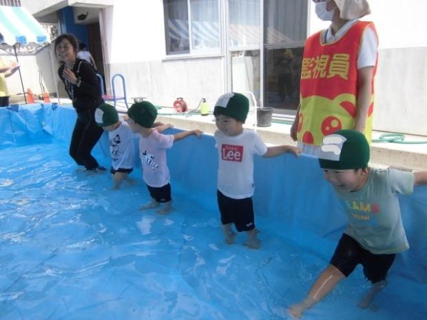 年少さんのプール遊び じゃぶじゃぶたのしい!!_a0382671_12050555.jpg