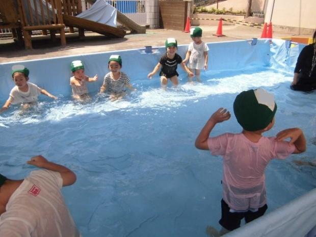 年少さんのプール遊び じゃぶじゃぶたのしい!!_a0382671_12060294.jpg