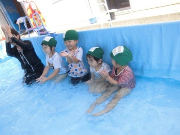年少さんのプール遊び じゃぶじゃぶたのしい!!_a0382671_12062422.jpg