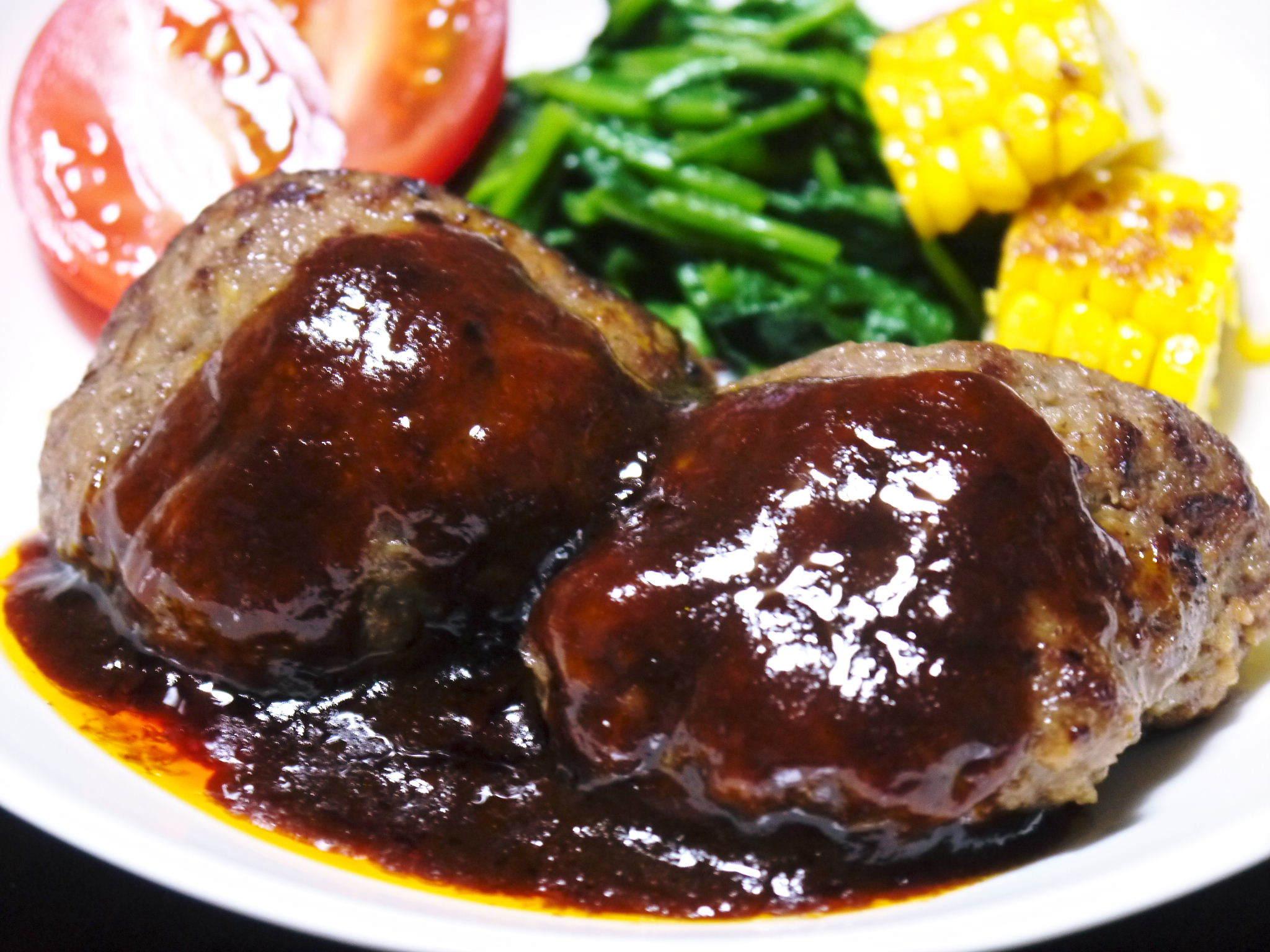 熊本県産の黒毛和牛を100%のハンバーグステーキ!令和3年7月度、追加受注決定!ギフト包装も対応します_a0254656_18003913.jpg