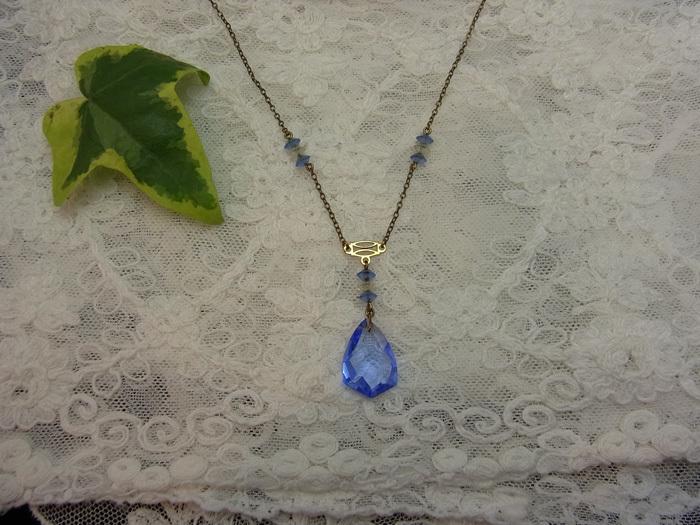 涼しげなブルーのネックレス_d0127182_15191298.jpg